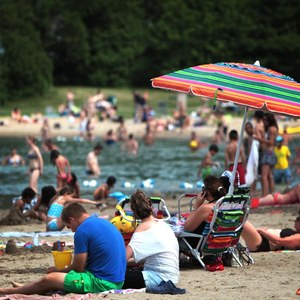 Montreal activity : beach of the parc Jean-Drapeau